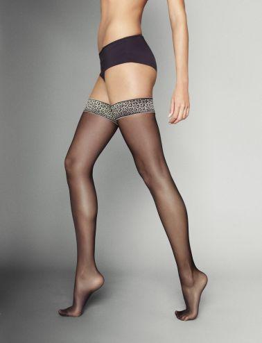 Medias sexys lisas en color negro con ligas de estampados de leopardo