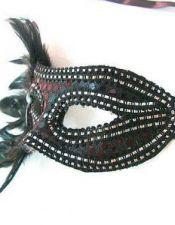 Mascara de fantasía negra con plumas y detalle de araña ACC00016