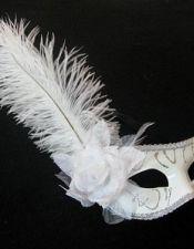 Máscara veneciana de fantasía blanca con pasamaneria y purpurina plateada ACC00019