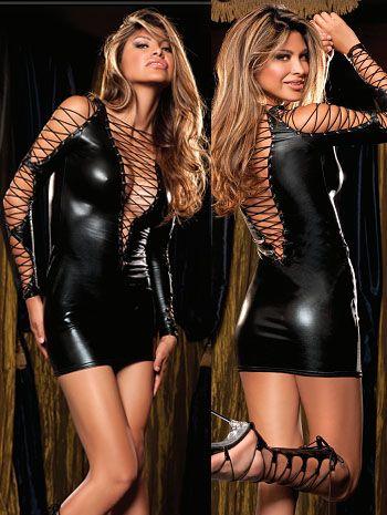 Vestido de latex negro con argollas con lazadas cruzadas