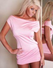 Vestido sexy rosa con espalda descubierta