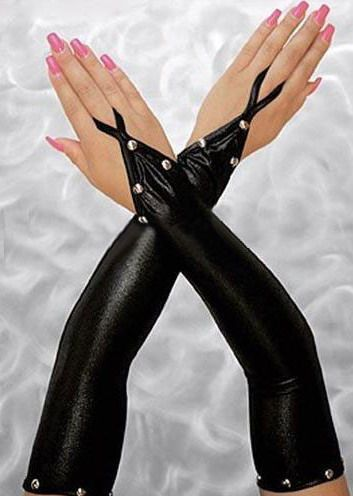 Guantes sexys sensuales de latex con detalles de tachuelas cogidos al dedo anular