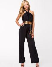 Elegante mono negro con cinturón dorado VES00180