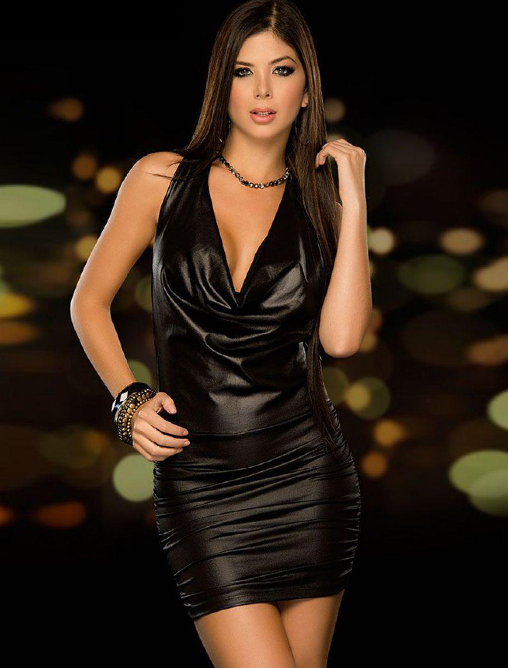 Mini vestido sexy negro con cuello volcado