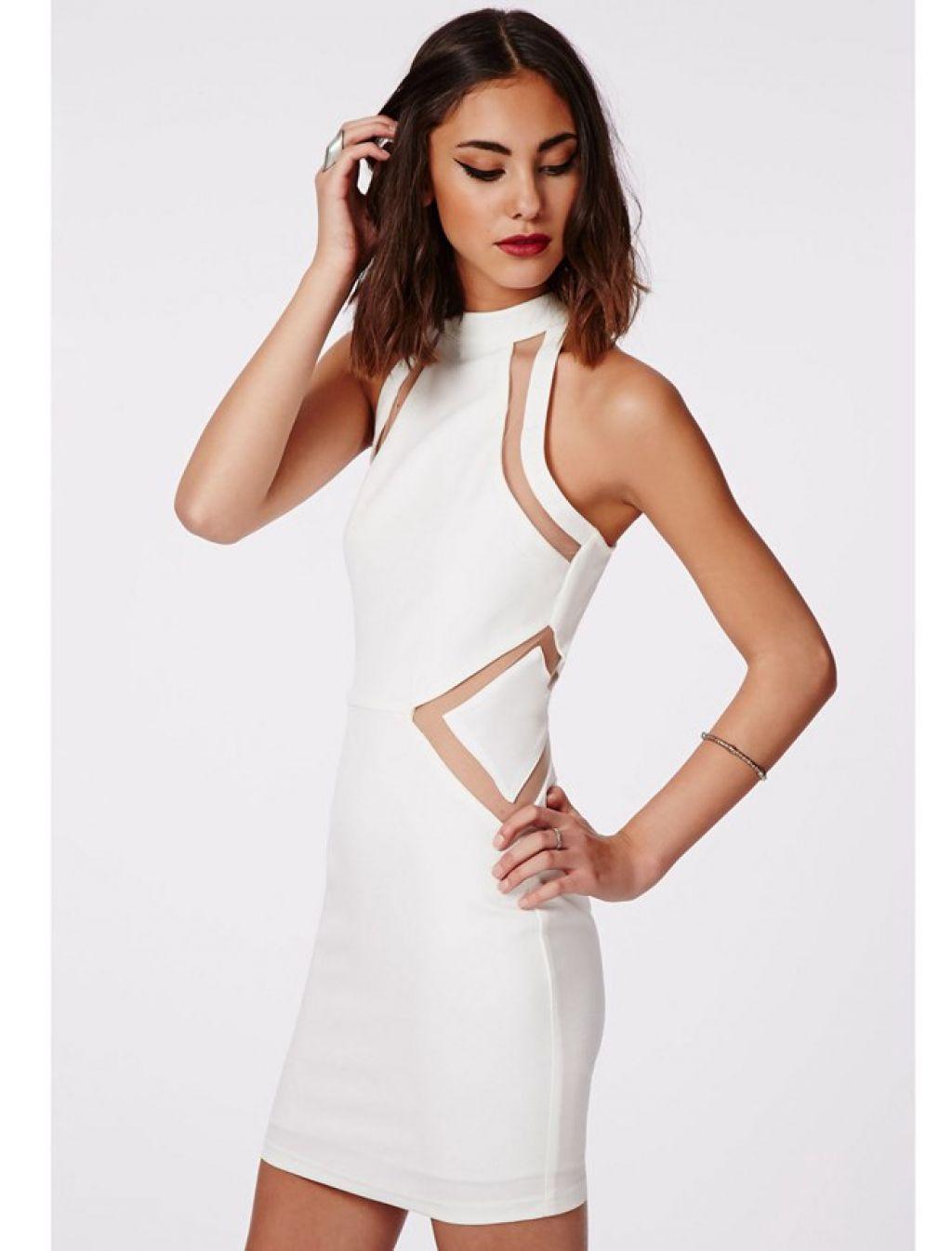 Vestido blanco con transparencias