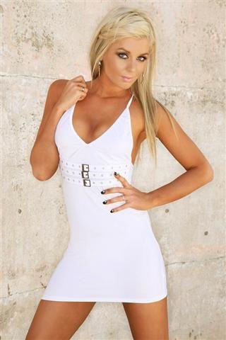 Vestido sexy de tejido elástico con fibra con tres hebillas plateadas