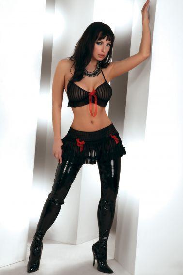 Conjunto sexy de top y minifalda de microtul a rayas con lazos de organza en color rojo