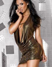 Vestido sexy de tejido elastizado con cuello volcado y efecto metalizado en color dorado oscuro VES00077